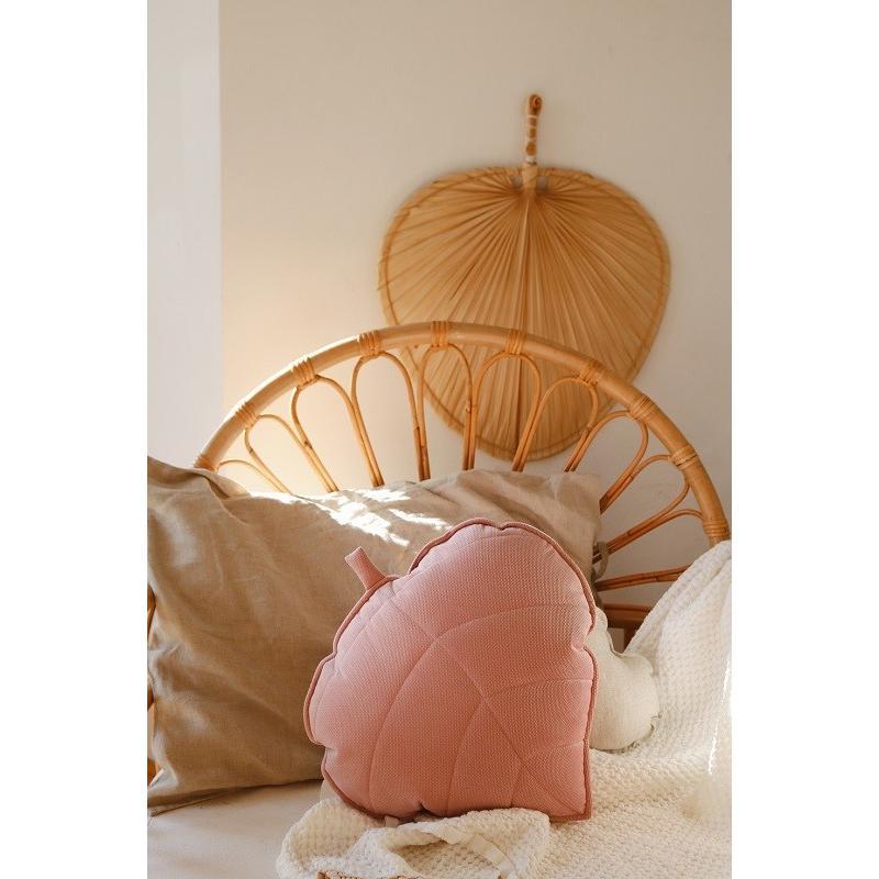 """Welwetowa poduszka liść """"soft pink"""""""